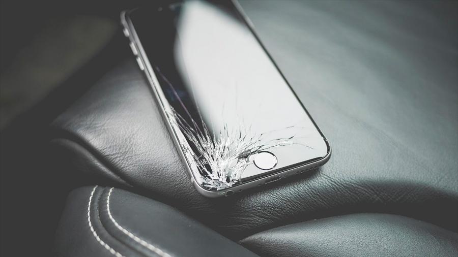 Este cristal que se repara solo lo querrás para tu celular