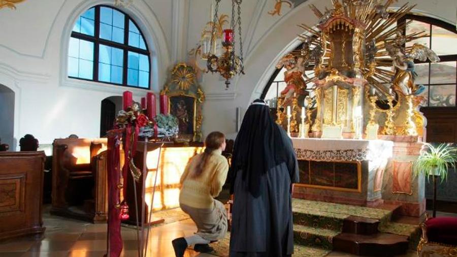 Encuentran tesoros en biblioteca de cerrada abadía alemana
