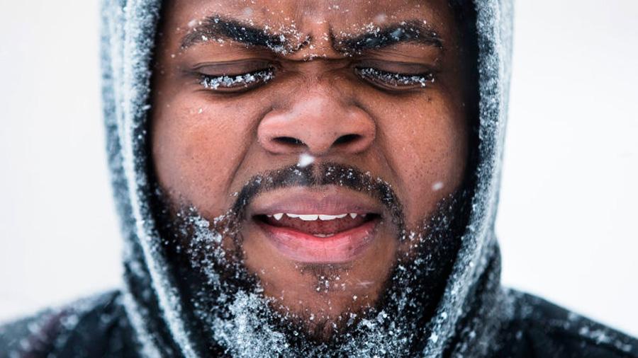 """El escalofriante paso del """"ciclón bomba"""" que está congelando la costa este de los Estados Unidos"""