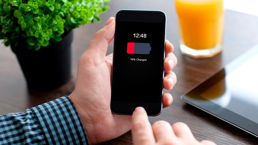 No valen las disculpas: Estados Unidos y Francia cuestionan a Apple por la ralentización de sus baterías