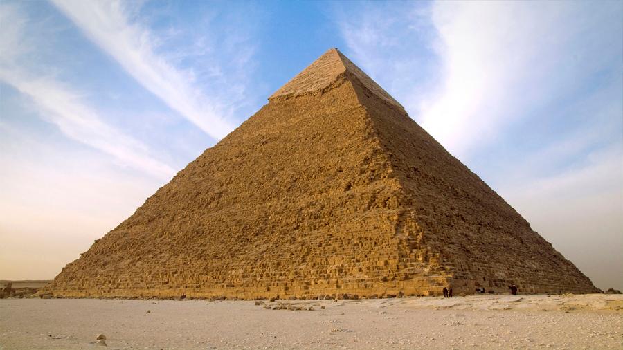 Experto postula que habría un trono de hierro extraterrestre en la Pirámide de Keops