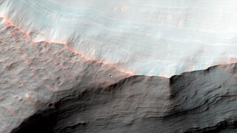 Marte tiene inmensas cantidades de agua atrapada bajo su superficie