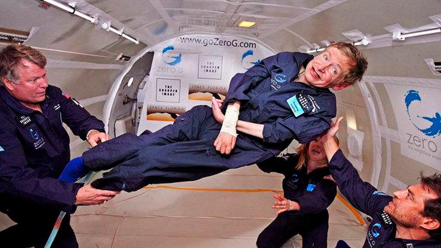 El día que Stephen Hawking voló y venció sus limitaciones