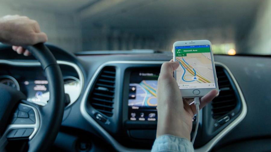 Para garantizar la seguridad de los pasajeros, los Congresos Locales deben regular los servicios de taxi y de empresas particulares