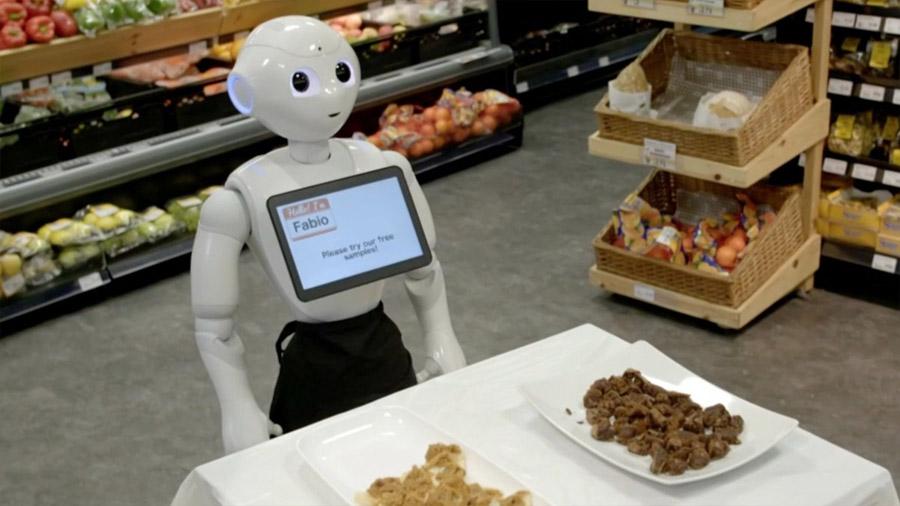 Un supermercado contrata a un robot y lo despide por incompetente