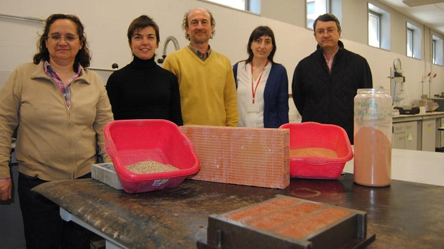 Primer cemento fabricado solo con residuos