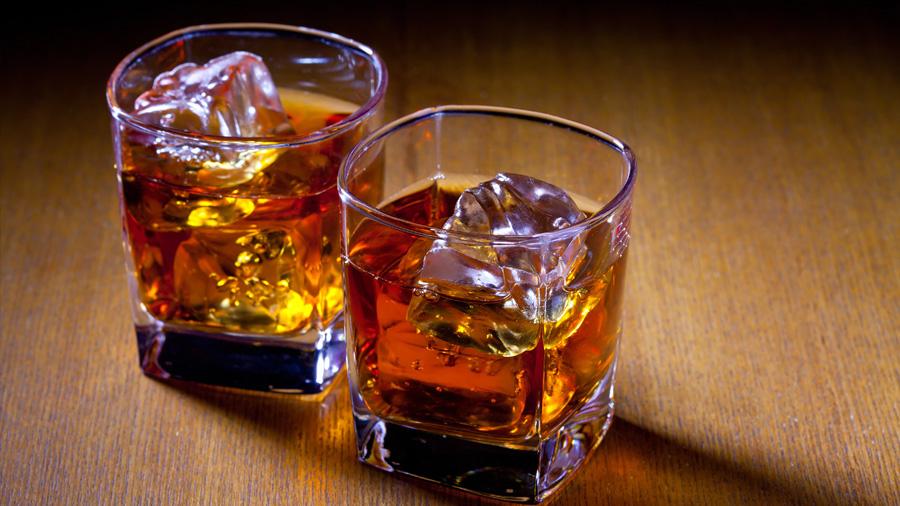 """Un consumo moderado de alcohol podría ayudar a """"limpiar"""" el cerebro"""