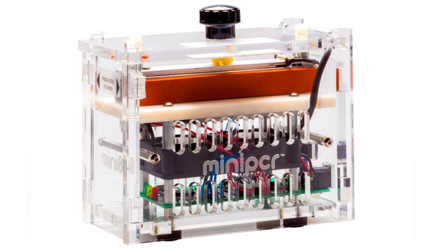 Biólogos argentinos crean mini-máquina para estudiar el ADN que ahora usan los astronautas de la NASA