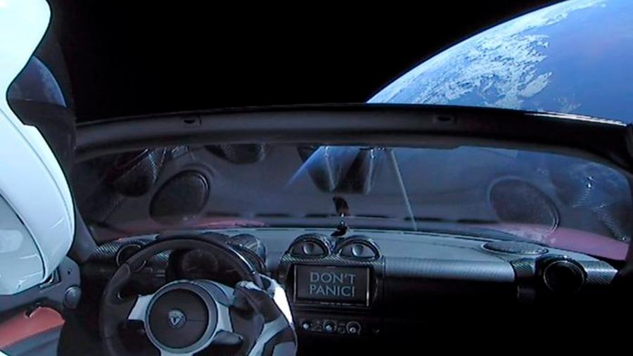 El carro especial de Tesla volverá a la Tierra en un millón de años