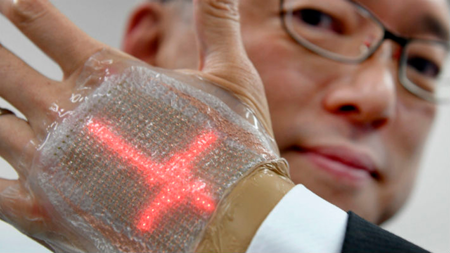 Crean pantalla LED que puede pegarse a la piel y proyectar imágenes