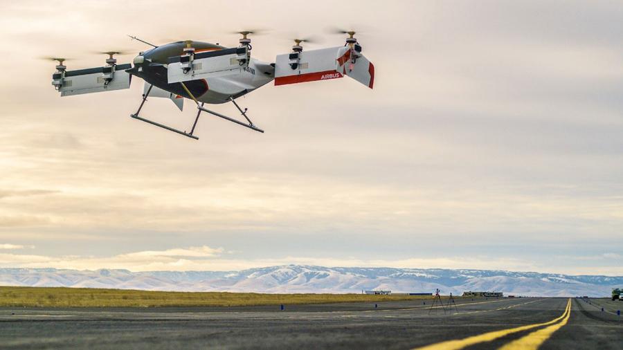 Airbus muestra el primer vuelo de su taxi volador