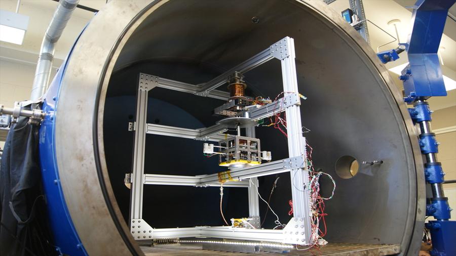 Ingeniero mexicano crea simulador espacial en el MIT