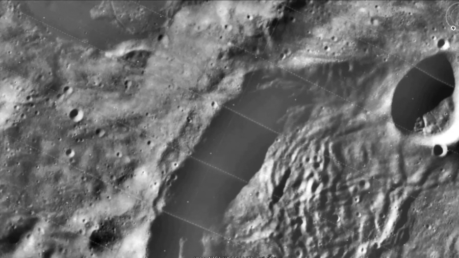 Una enorme grieta en la cara oculta de la Luna expone rocas del manto