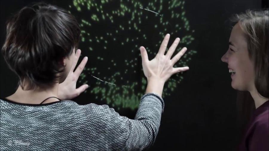 Esta pantalla háptica permite a los invidentes sentir los fuegos artificiales [VIDEO]