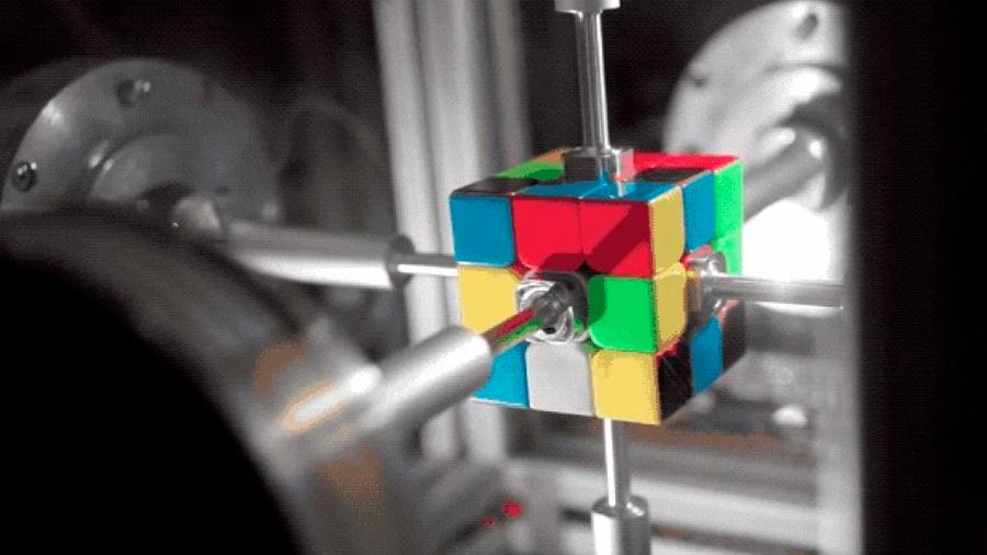 Pulverizado el récord mundial de cubo de Rubik con un robot [VIDEO]
