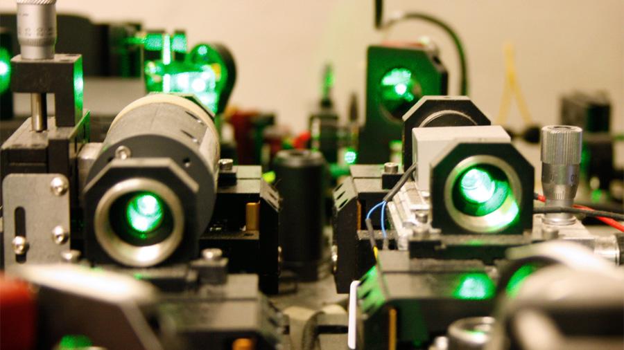 Un único fotón provoca el entrelazamiento cuántico de 16 millones de átomos
