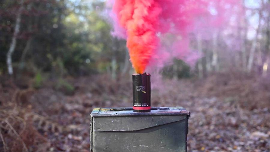 La bomba de humo definitiva anula juntas la luz visible y la infrarroja