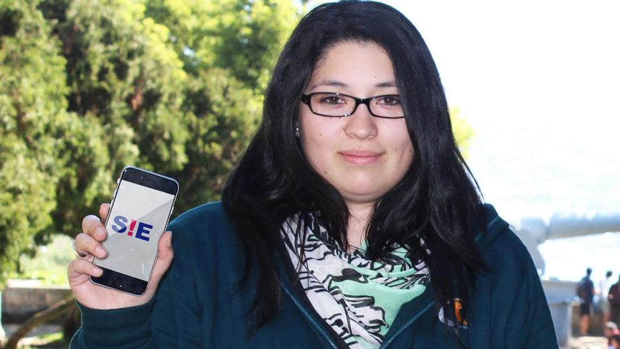 Una chilena crea sencilla 'app' con ondas de radio para alertar situación de emergencia a ciudadanos sin acceso a internet