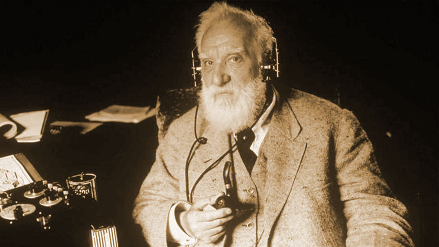 5 grandes aportes de Alexander Graham Bell, quien anticipó el móvil y la fibra óptica