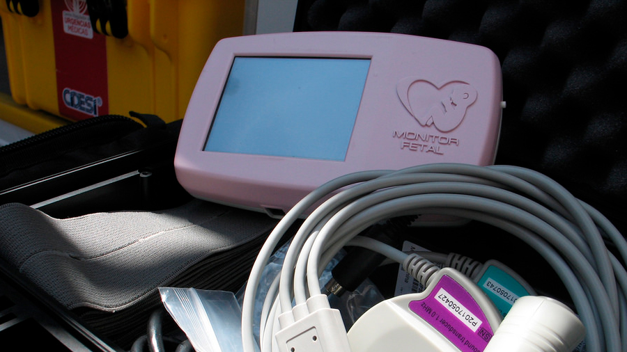 Salvan a recién nacidos del sufrimiento fetal con tecnología mexicana