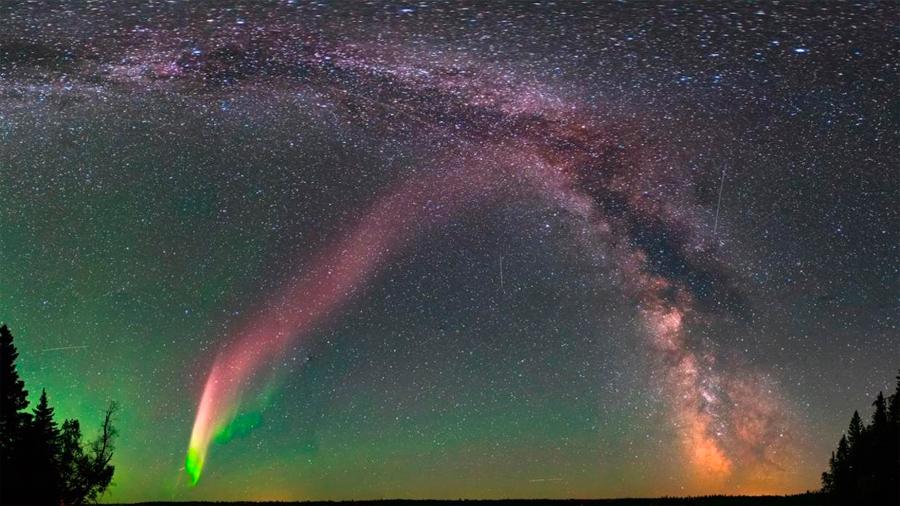 El curioso caso del aficionado que ayudó a descubrir las raras auroras boreales púrpuras