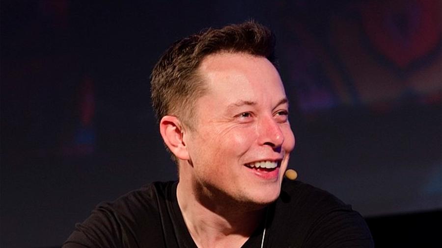 Elon Musk borra las página de SpaceX y Tesla en Facebook