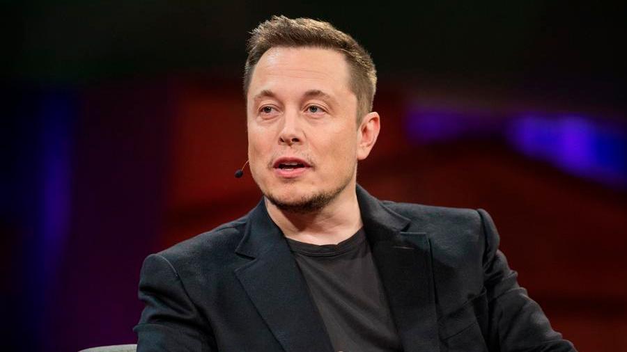 Elon Musk teme que un robot dictador inmortal acabe dominando el mundo