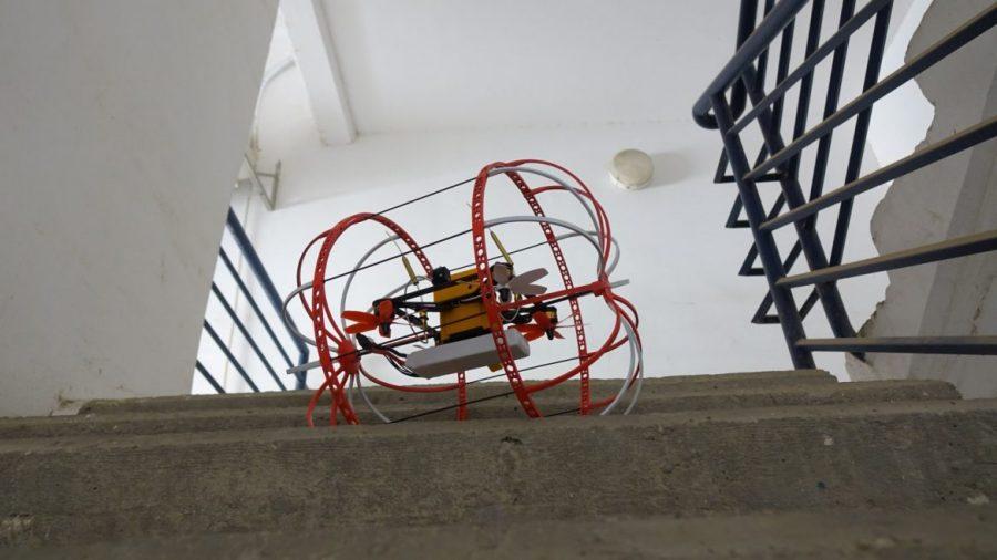 Crean estudiantes robot que salva vidas en zonas de catástrofe