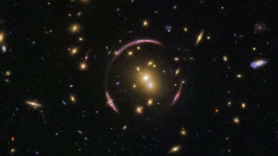 El telescopio Hubble encuentra un anillo de Einstein
