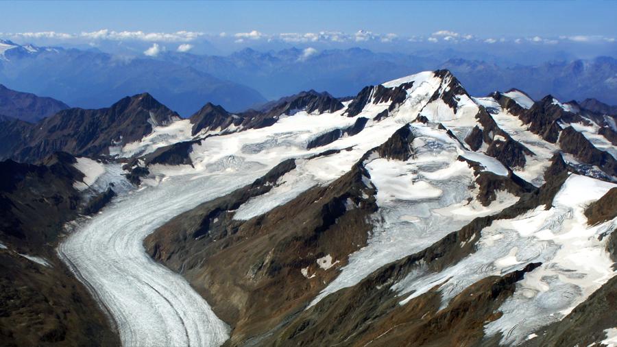 Recorrer 500 metros en coche derrite 1 kg de hielo glaciar