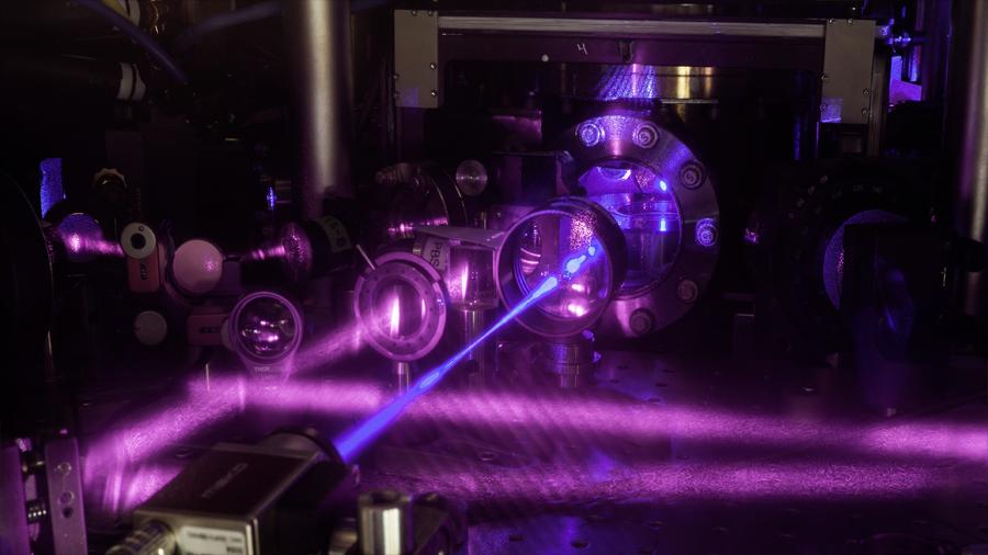 Científicos aumentan la exactitud de reloj atómico