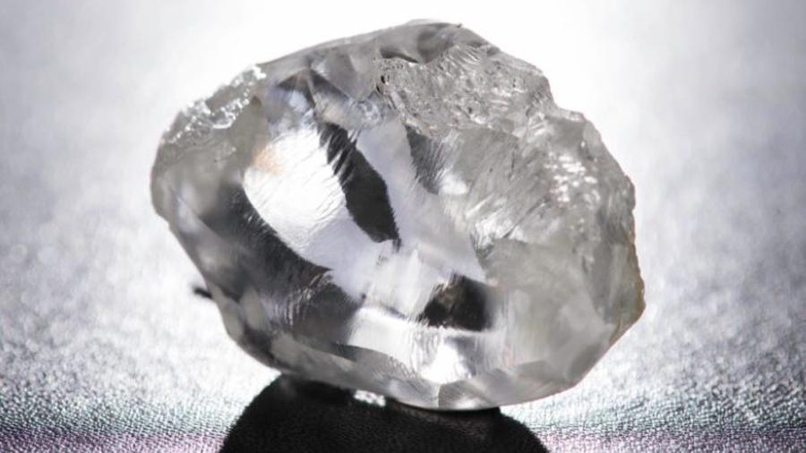 Hallan atrapado en un diamante un mineral nunca antes visto