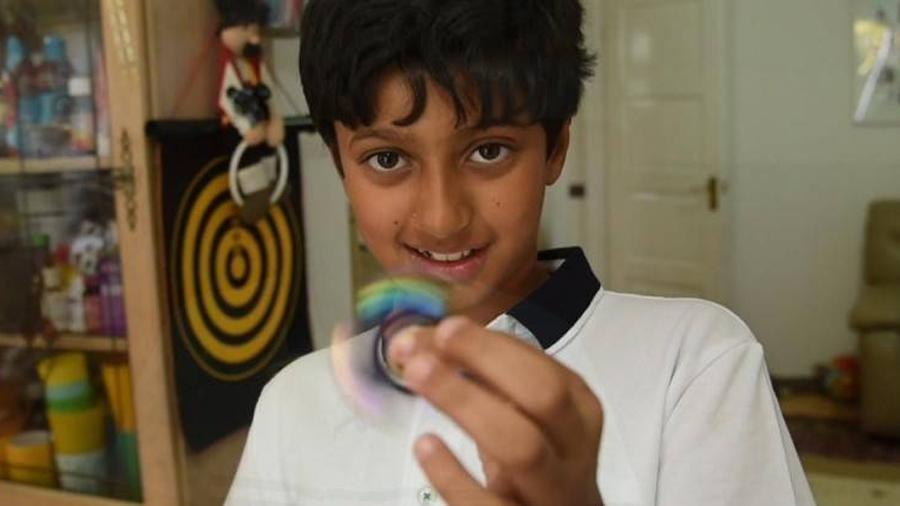 Niño genio registra un coeficiente intelectual más alto que Einstein y Hawking