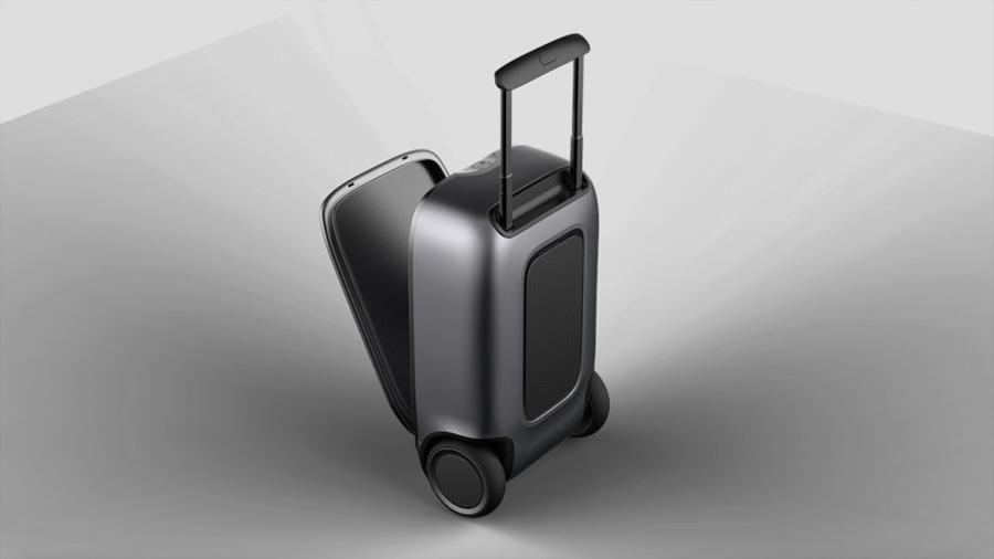 Crean una maleta con tecnología segway que sigue a su dueño como un perro
