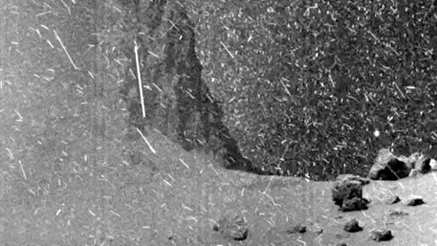 La nave Rosetta vió 'nevar' en la superficie del cometa 67P