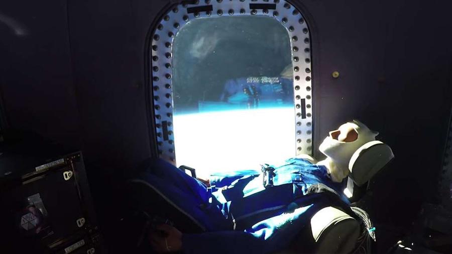 Al espacio con 'Mannequin Spacewalker' en la cápsula New Shepard
