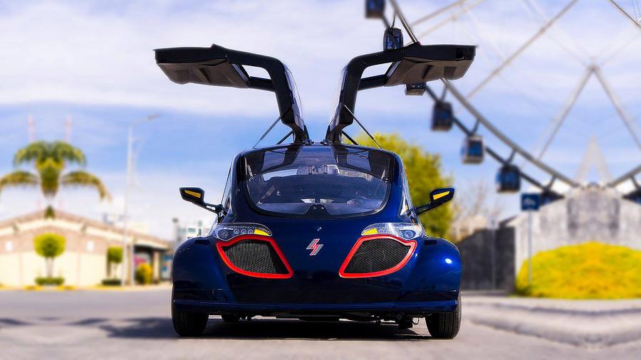 Crea Empresa mexicana autos eléctricos que se recargan con corriente domiciliaria