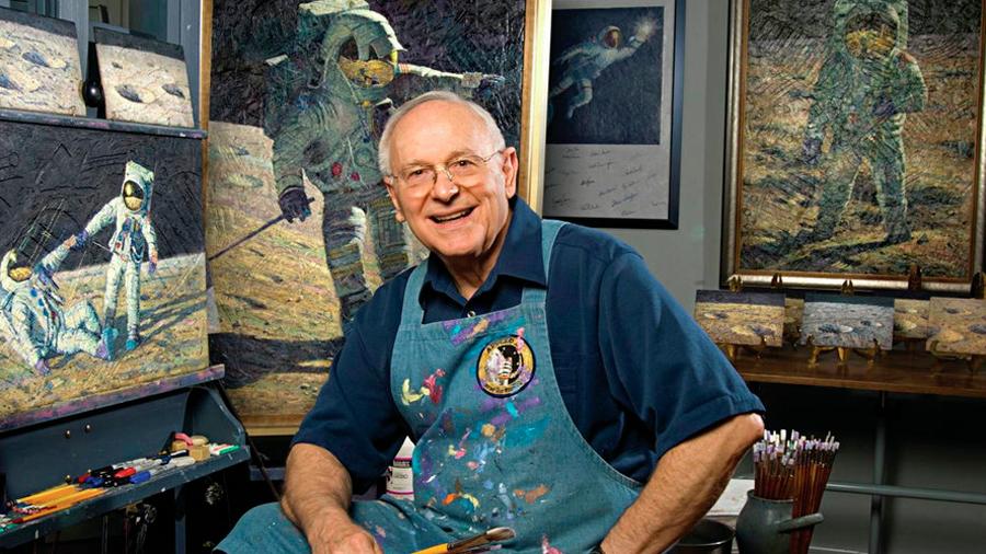 Muere el astronauta y pintor Alan Bean, la cuarta persona en realizar una caminata lunar