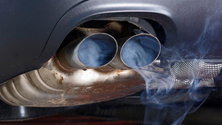 Investigadores descubren cómo reducir emisiones de automóviles