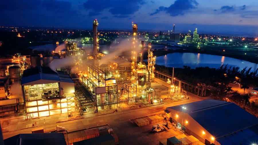 Innova UNAM compuestos para refinar petróleo