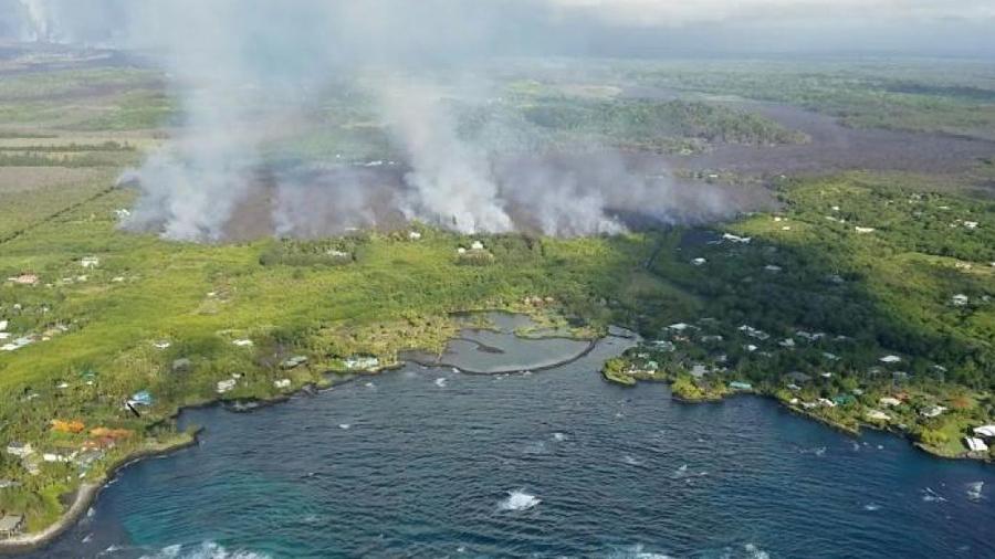 Actividad del volcán Kilauea evapora un lago y aumenta el territorio de la isla hawaiana