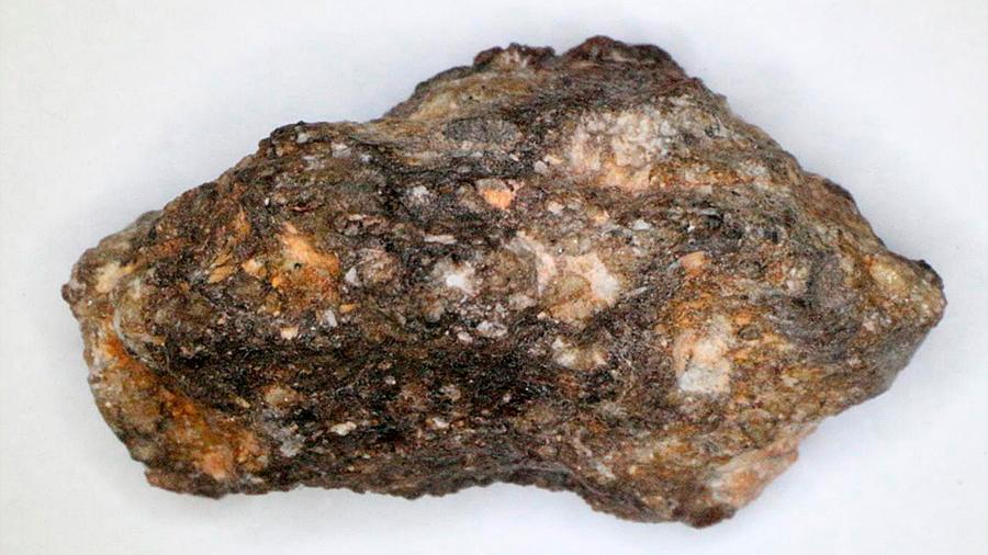 Nueva evidencia en un meteorito de que hay agua en la Luna