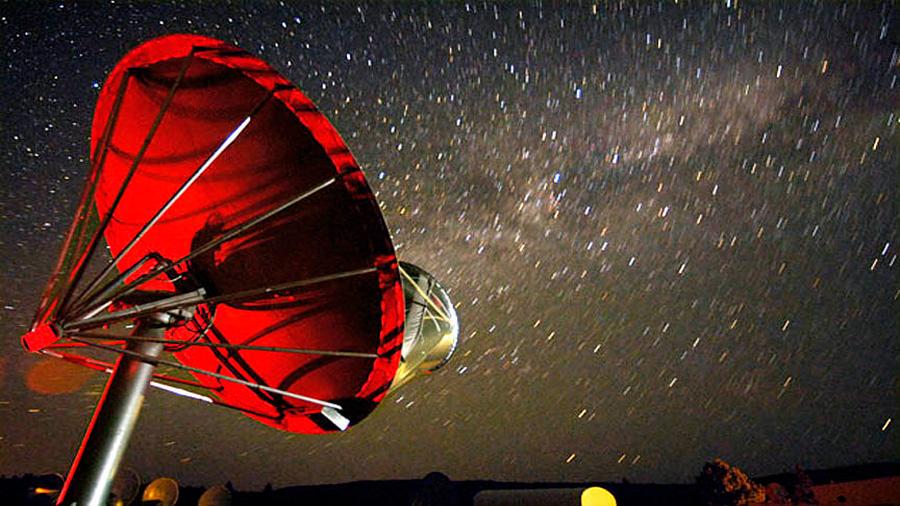 Estrellas que no responden a la expansión cósmica, nueva señal SETI