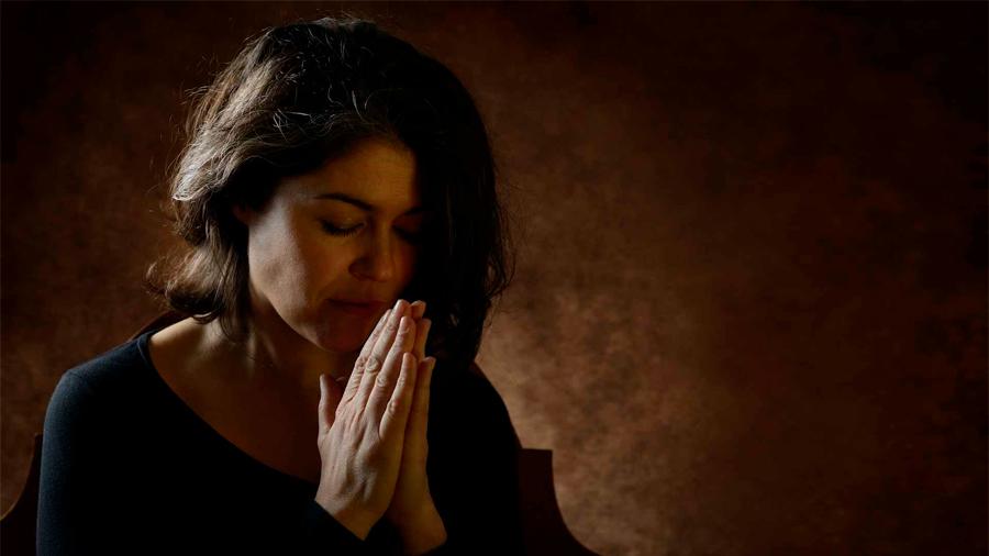Según un estudio, los creyentes viven 4 años más que los ateos