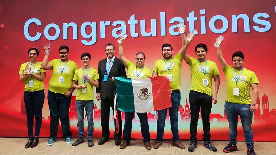 Destacan estudiantes mexicanos en certamen internacional de tecnologías de la información celebrado en China
