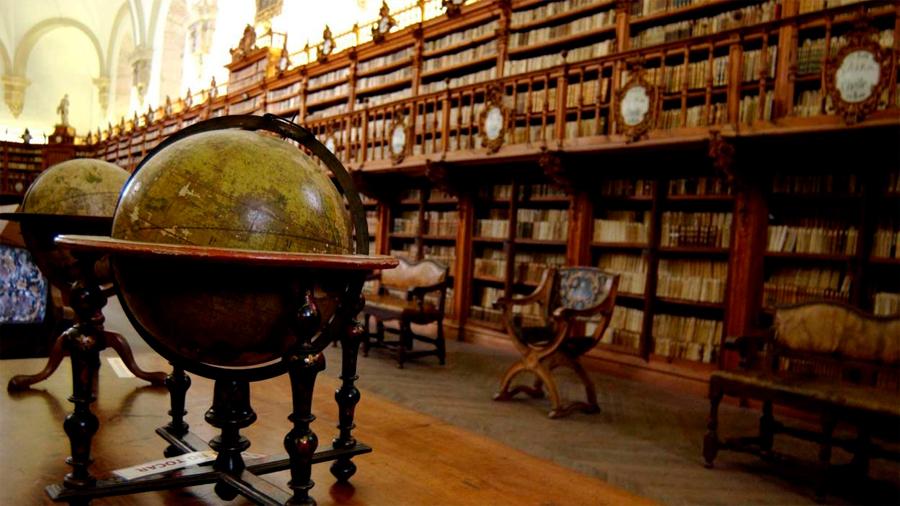Descubren tres libros envenenados en una biblioteca en Dinamarca