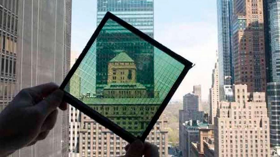 Una ventana inteligente genera electricidad y aísla del calor