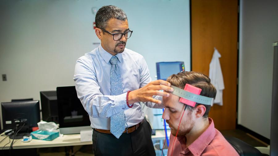 Una leve estimulación eléctrica transcraneal reduce el impulso violento