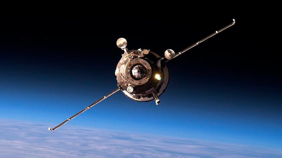 Estrenan viajes más rápidos a la Estación Espacial Internacional