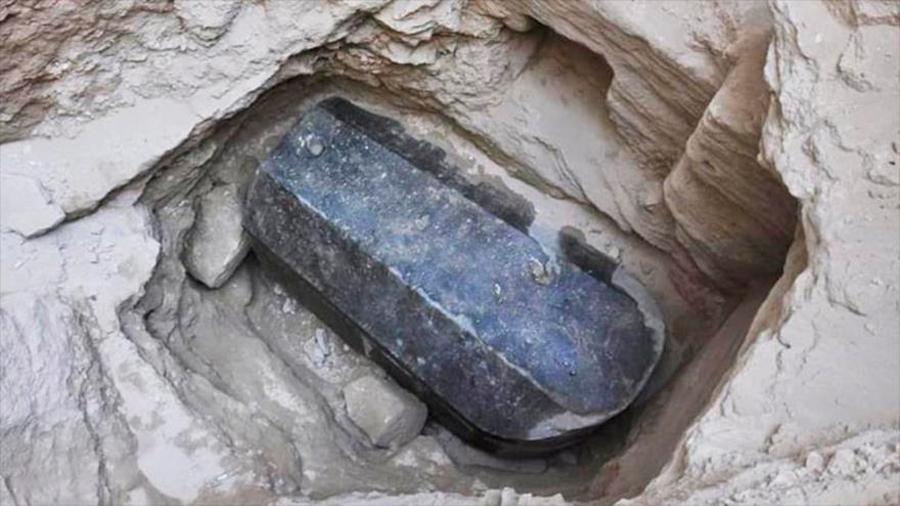 Descubren en Egipto misterioso sarcófago sellado hace 2,000 años